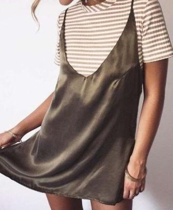 camiseta-con-vestido-de-terciopelo